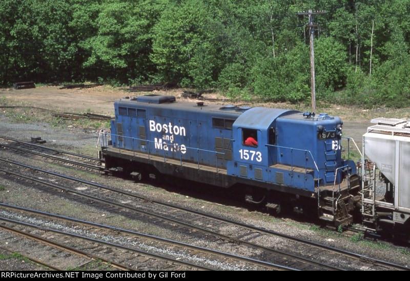 B&M 1573(GP-7)
